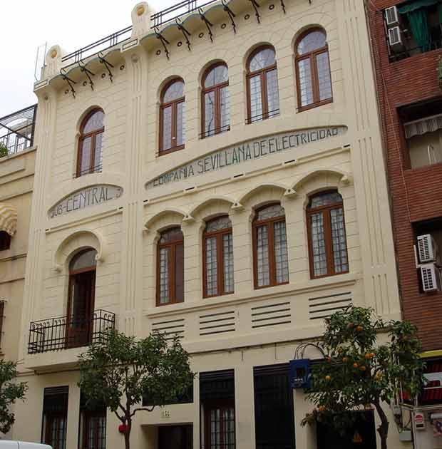 fachada-residencia-estudiantes-cartuja